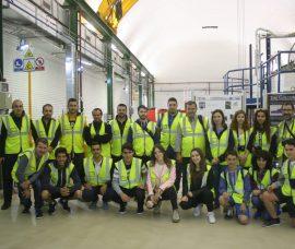 Ganadores de Divulgaciencia visitan la planta de Airbus