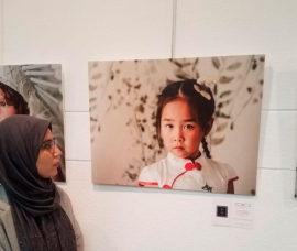Lucía del Rincón muestra sus fotografías en una exposición en el Centro de Calahorra