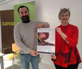El Centro Fundación Caja Rioja-Bankia Arnedo acoge el taller solidario 'Gorros con sonrisas'